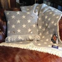 Natural Soft Merino Lambswool Kissen STARS grau-weiss