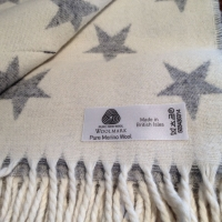 Natural Soft Merino Lambswool Plaid STARS grau-weiss