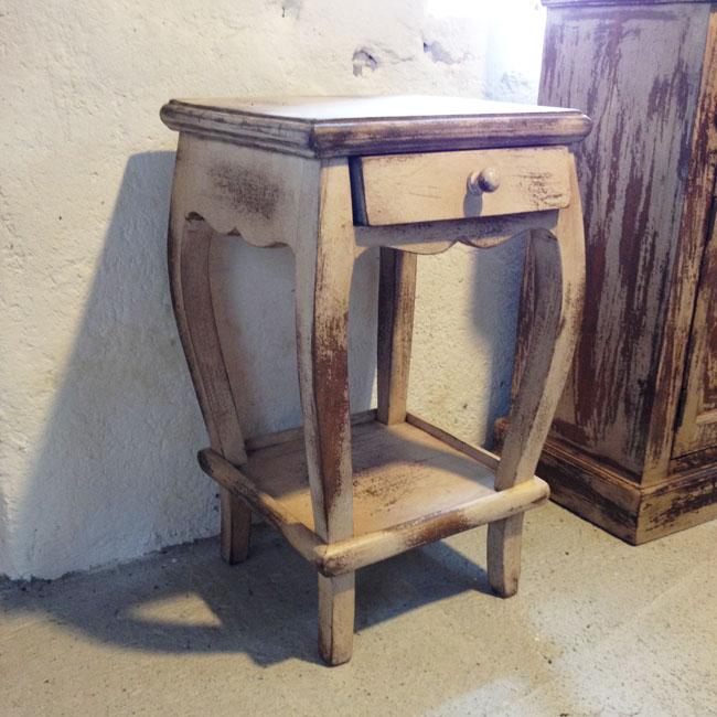 Beistell-Tisch aus Holz